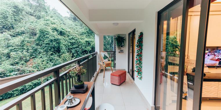 别墅自然风宽敞明亮阳台装修效果图