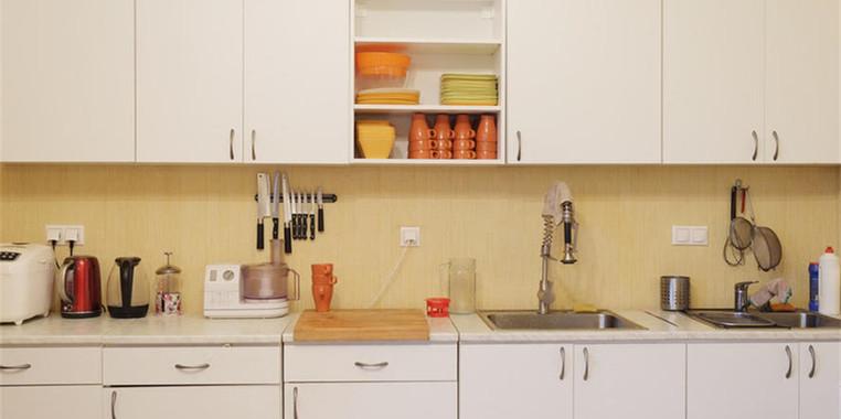 90平现代简约风格厨房设计图片