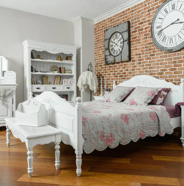 80平米现代轻奢风卧室家具装修设计