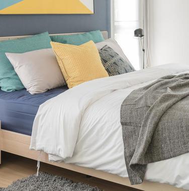 70平米简约风格卧室家具设计效果图