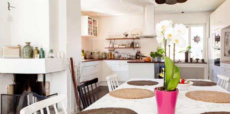 两居室北欧风格厨房餐区一体化装修设计图片