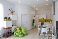 70平米彩虹般的公寓