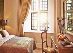 卧室窗帘怎么选择搭配?卧室窗帘选择搭配技巧