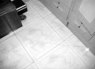 为什么瓷砖有裂缝,瓷砖有裂缝如何弥补?