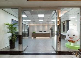 南昌办公室装修效果图 500平办公室现代风装修案例