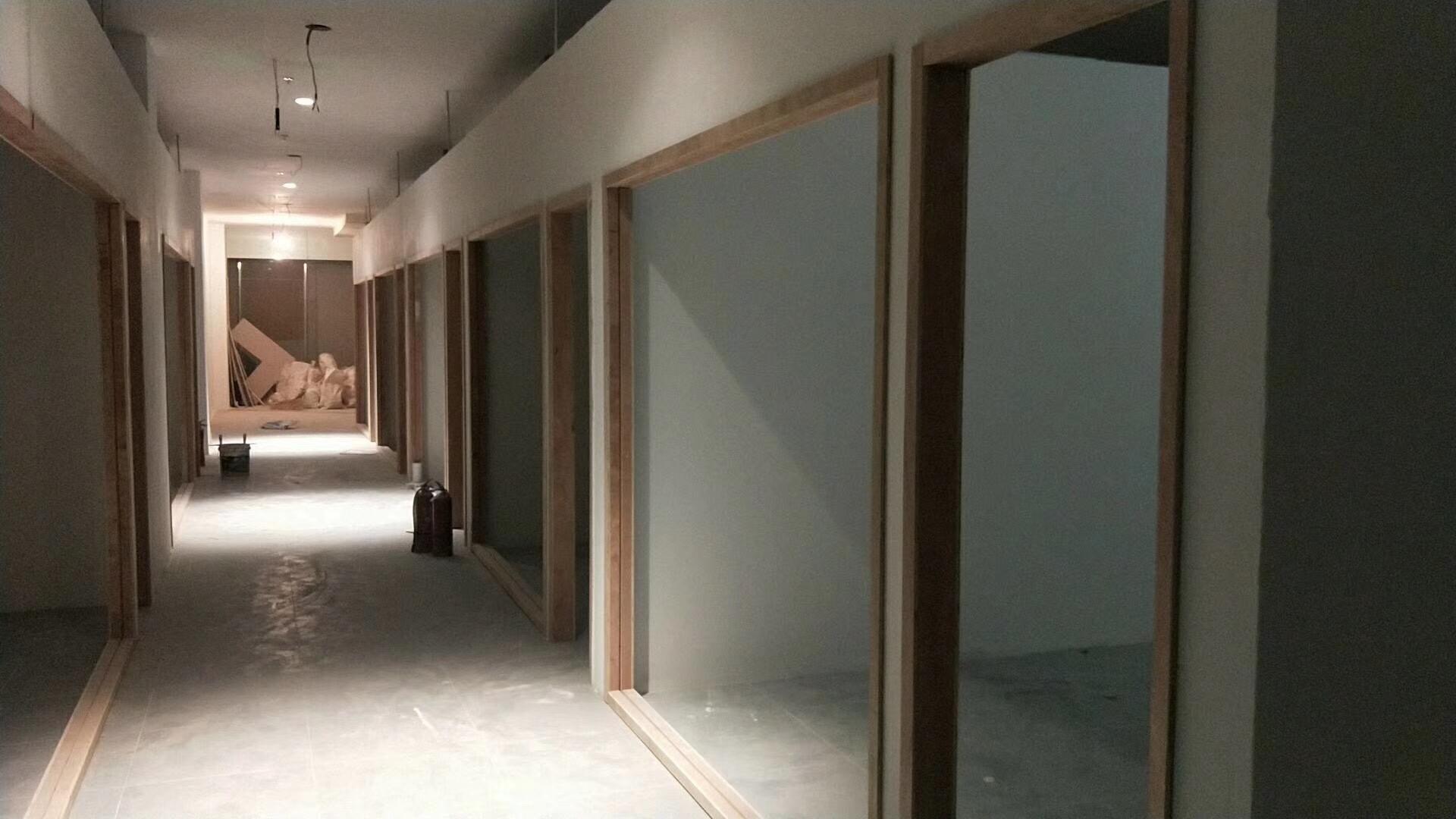 万达广场办公楼油漆完工中装修案例